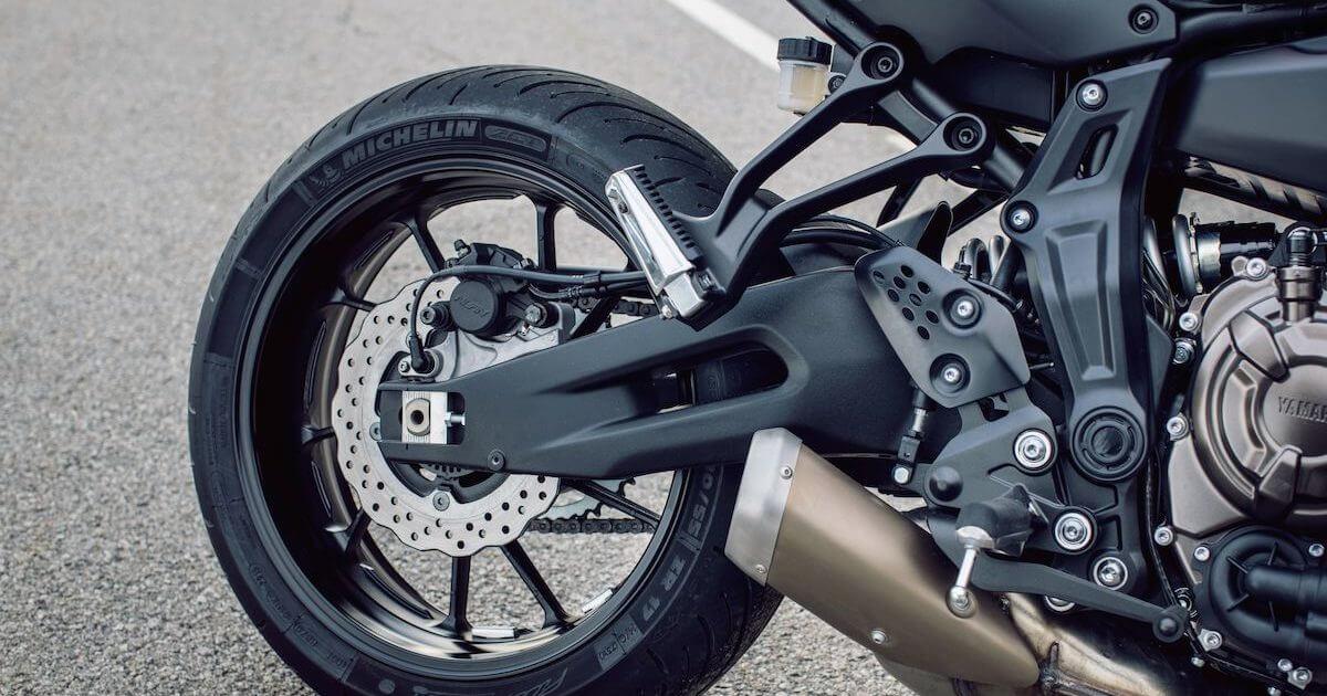 Αποκλειστικές προδιαγραφές σπορ μοτοσυκλέτας ταξιδιού Yamaha Tracer 700 2018 2019 NOMIKOS motonomikos