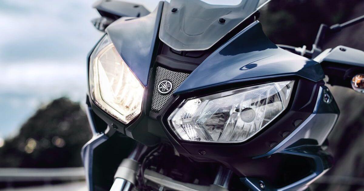 Διπλοί προβολείς με φώτα θέσης LED Yamaha Tracer 700 2018 2019 NOMIKOS motonomikos