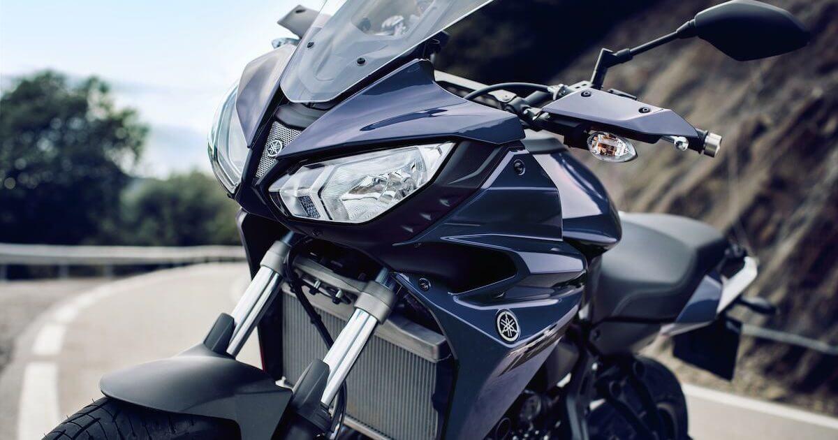 Εξαιρετική αναλογία ισχύος βάρους Yamaha Tracer 700 2018 2019 NOMIKOS motonomikos