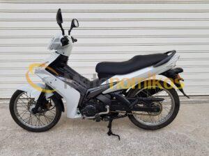 Μεταχειρισμένα Yamaha Crypton X 135 άσπρο αριστερή μεριά-min