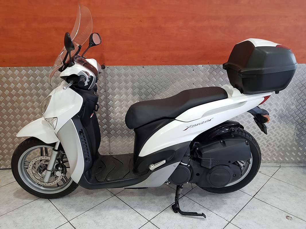 Μεταχειρισμένο Yamaha Xenter 150 άσπρο αριστερά