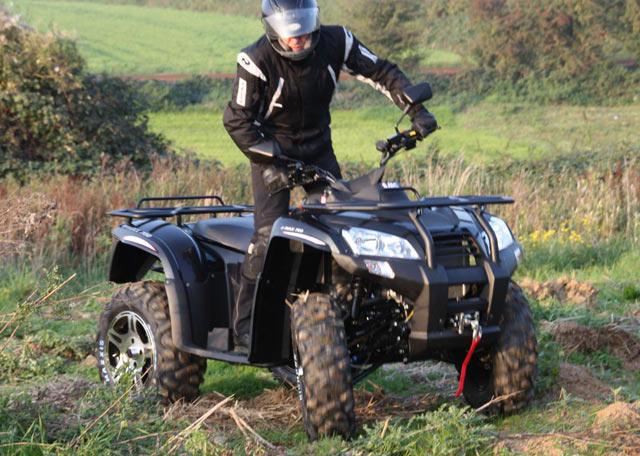 ATV SMC JUMBO 700 ΓΟΥΡΟΥΝΑ βουνό χώμα