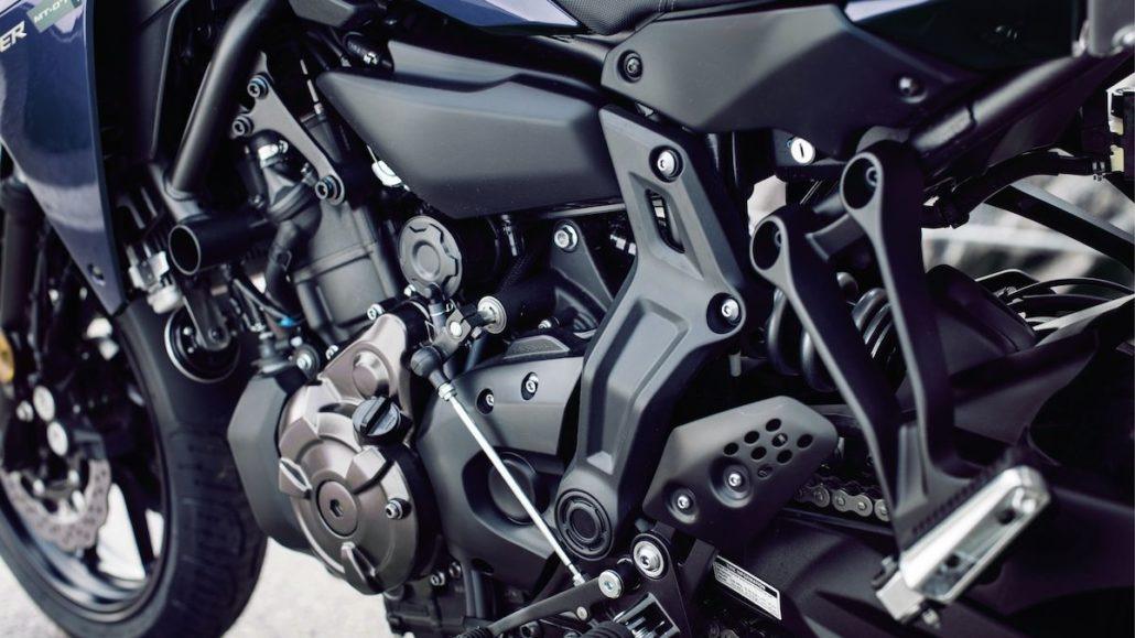 Compact και ελαφρύ σωληνωτό πλαίσιο Yamaha Tracer 700 2018 2019 NOMIKOS motonomikos