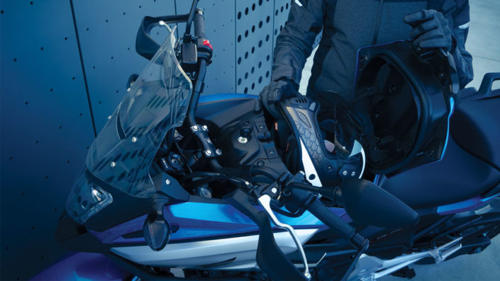 Honda NC750X 2018 2019 χώρος αποθήκευσης κράνους κάτω απο το τιμόνι