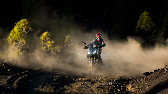 Honda X-ADV 750 2018 2019 πίστα χώμα βουνό
