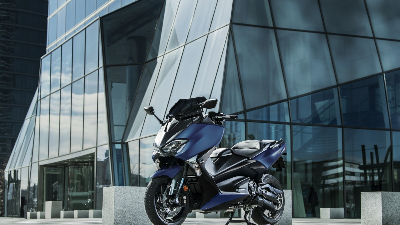 Yamaha TMAX SX SPORT EDITION 500 αριστερή μπροστινή μεριά