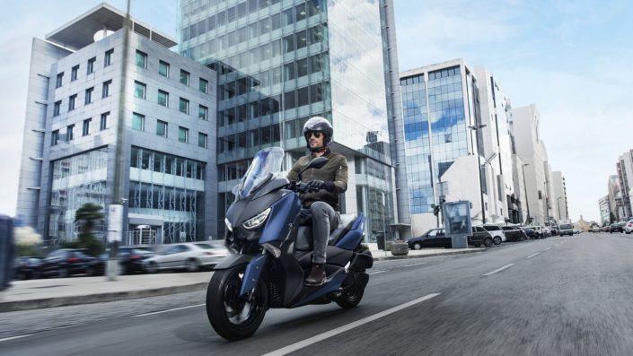 Yamaha XMAX 250 X-MAX μπλε αριστερή μπροστινή μεριά
