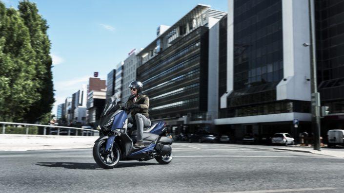 Yamaha XMAX 250 X-MAX μπλε αριστερή πλευρά