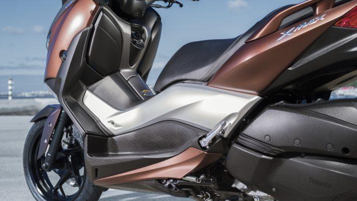 Yamaha XMAX 250 X-MAX πατάκια οδηγού αριστερή μεριά