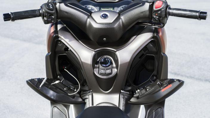 Yamaha XMAX 250 X-MAX τιμόνι και ντουλαπάκια θήκες